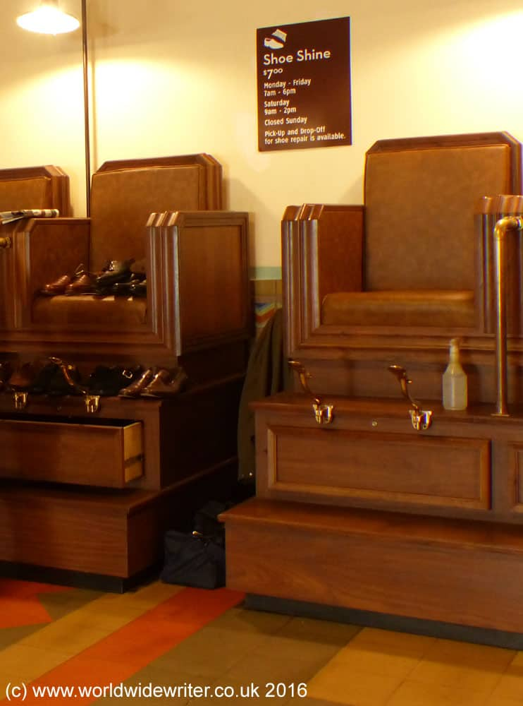 Shoeshine area