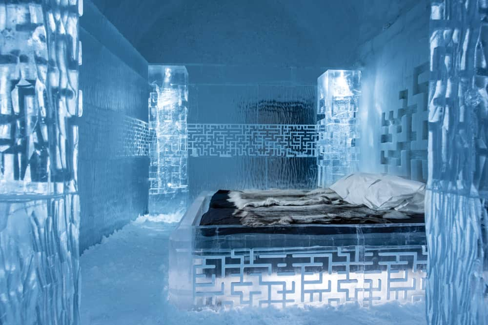 Deluxe suite in the IceHotel