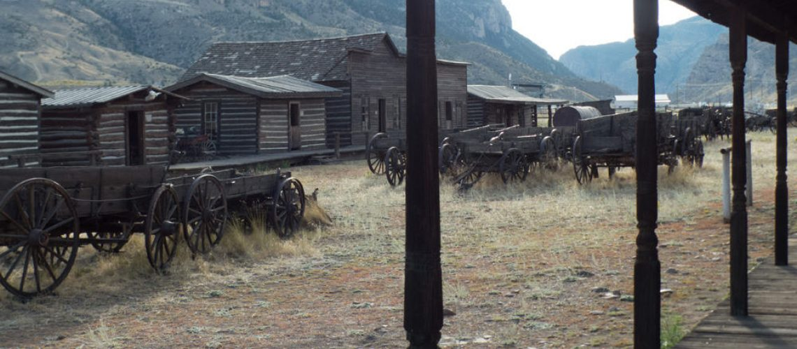 Wagons and houses at Old Trail Town